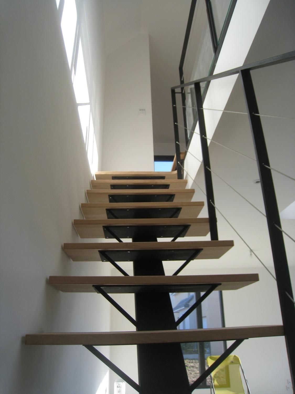 Escalier à limon central – St Aubin Du Pavail