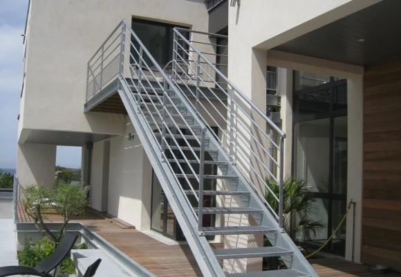 Escalier extérieur – Lancieux