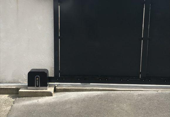 Portail sur rail motorisé – Morbihan